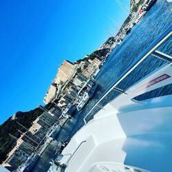 Aujourd'hui se sera en mode bateau 🛥, direction les îles Lavezzi ❤️❤️❤️, bonne journée les girls 🌴🌴🏖🏖😎😎…. #papilhome #holidayvibes #corsedusud #îleslavezzi☀️🌴 #bateaux #traversée #mermediterranee #goodvibes #saturday #☀️☀️☀️