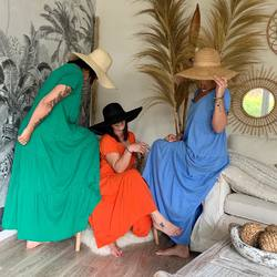 Plusieurs couleurs pour ces robes longues en coton qu'on adore 🥰 (39€)... un joli petit cadeau 🎁 pour la fête des mamans ❤️.... C'est demain !!!!! www.papilhome.com #papilhome #robelongue #lookoftheday #saturdaymood #cadeaufetedesmeres #may2021 #tendance2021 #vetements #gujanmestras #bassinarcachon